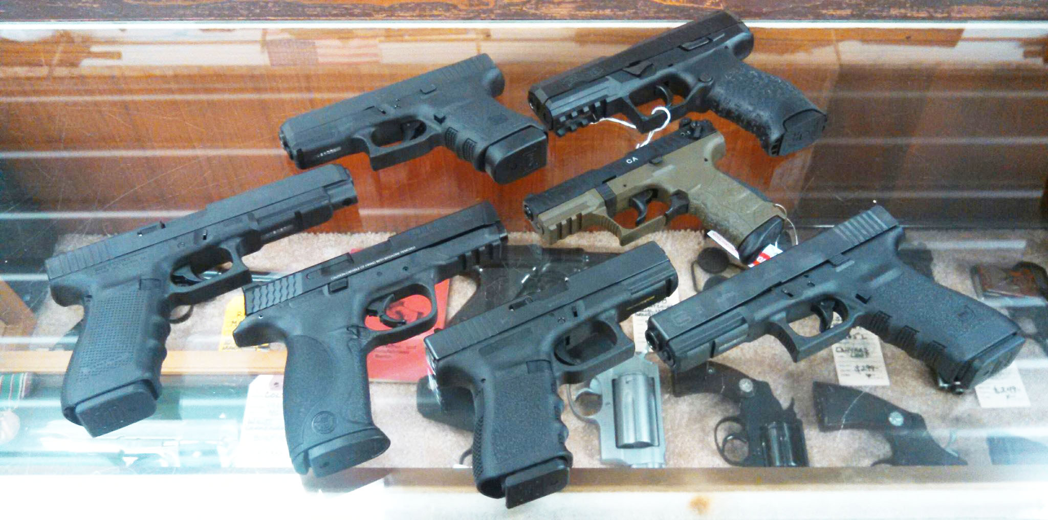 IN STOCK- NEW HANDGUNS- GLOCK 30S .45, GLOCK 41gen4 .45, WALTHER PPX 9mm, SMITH & WESSON M&P9 9mm, WALTHER P22 .22lr, GLOCK 23 .40 & GLOCK 21 .45. Stop by and take a look!